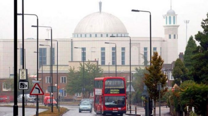 London Closes 500 Churches; Opens 423 New Mosques